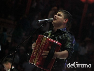 Olivas llenó la Alberto Balderas