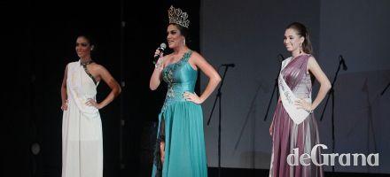Dos candidatas y una corona